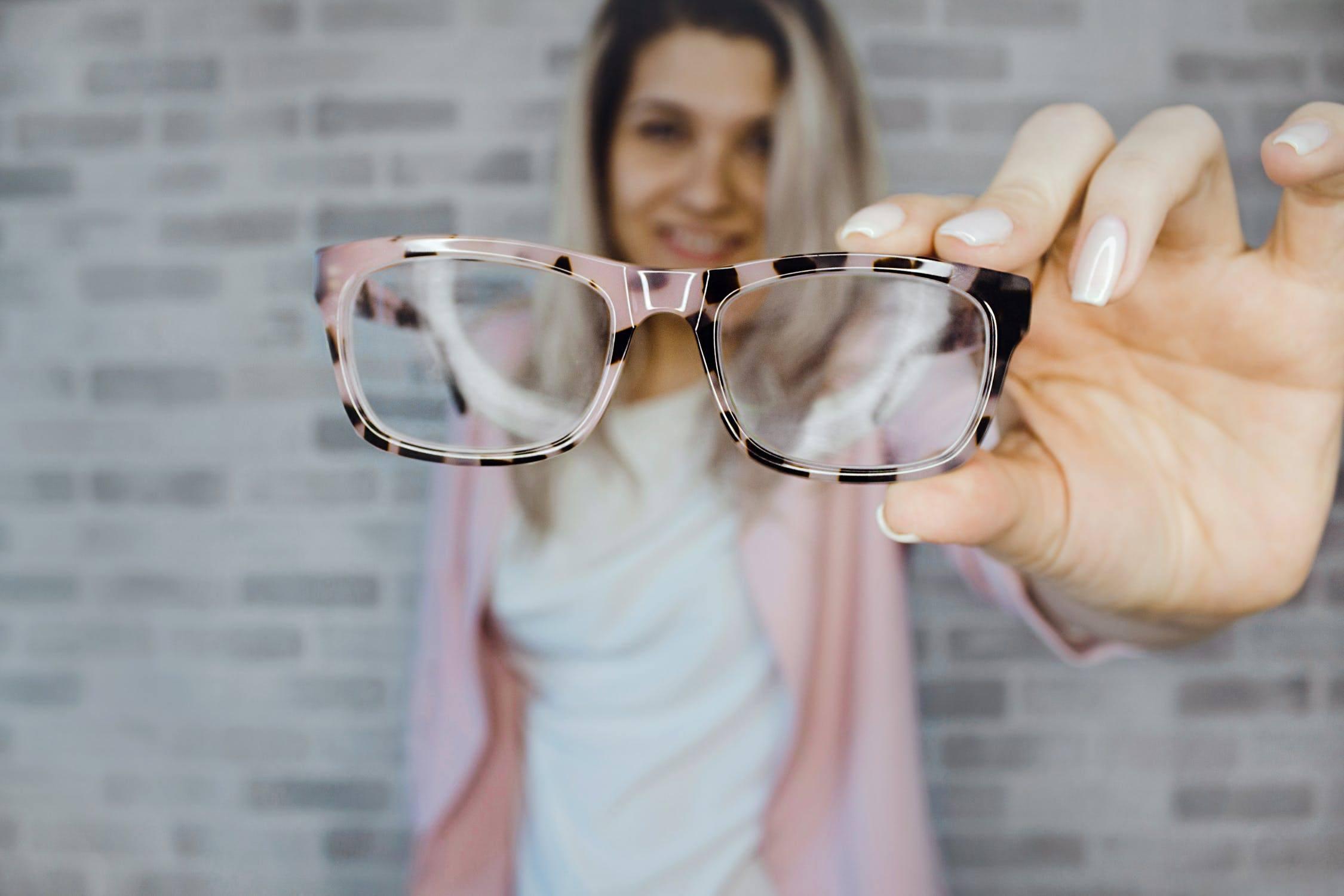 Okulary na receptę – jak otrzymać refundację z NFZ?